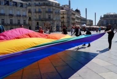 Le drapeau gay original à Montpellier