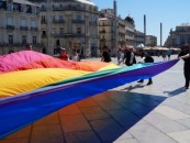 Le drapeau gay original à Montpellier