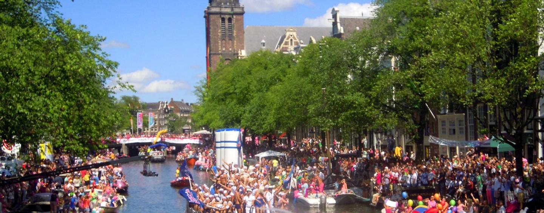 Terminer pour le mot Gay dans la Gay Pride d'Amsterdam