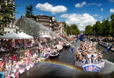 La Commission européenne à la Gay Pride d'Amsterdam