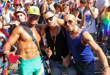Destination gay friendly: Cliquez sur le cadenas pour choisir une autre destination