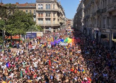 Plus de 15 000 personnes à la gay pride de Toulouse 2021